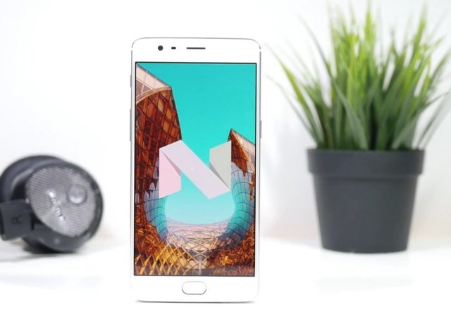 Android 7.0 Nougat (Turrón)