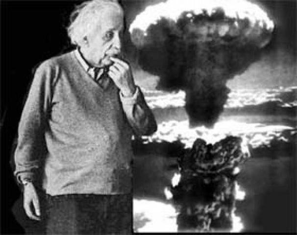 Einstein da el secreto de la bomba átomica