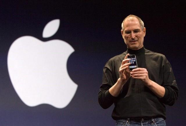Steve Jobs anunció públicamente el iPhone (Computadoras)