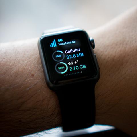 Apple lanza el Apple Watch. (Computadoras)