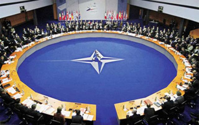 Se Firma un Tratado en Roma Para que se Establezca una Corte Internacional del Justicia.