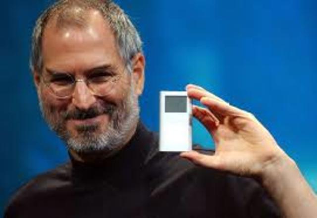 Aparición del primer  iPod.