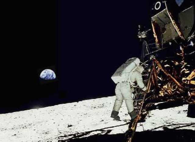 Apollo 11 - first men to walk on the Moon, USA