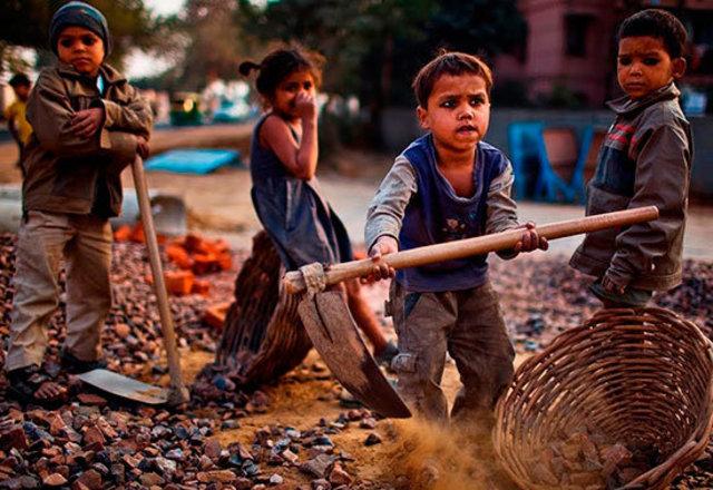 Ley que prohibía trabajar a los menores
