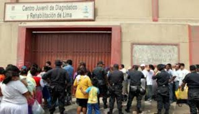 Reforma penitenciaria del sistema correccional para adolescentes, España