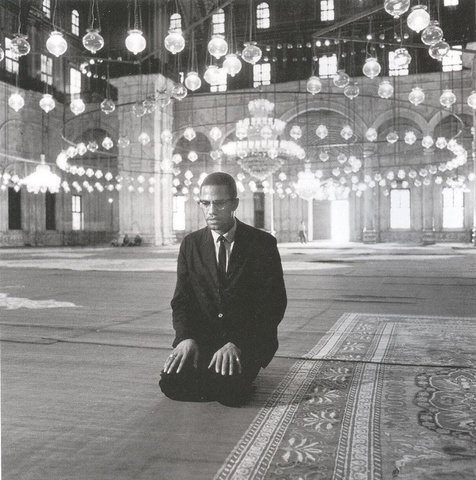 Malcolm X leaves the Nation of Islam and takes the Hajj.
