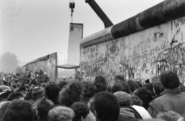 Fall of the Berlin Wall (Coca Cola)