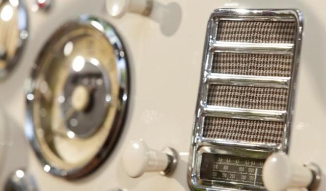 Radio en el primer coche