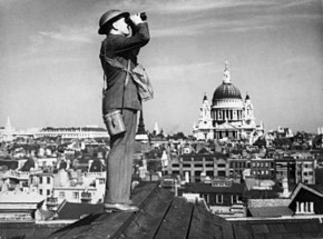 Storbritannia og Frankrike erklærer Tyskland krig