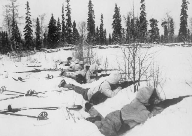 Sovjetunionen angriper Finland ( Vinterkrigen )