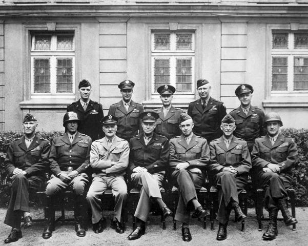 """USA vedtar å støtte """"de allierte"""""""