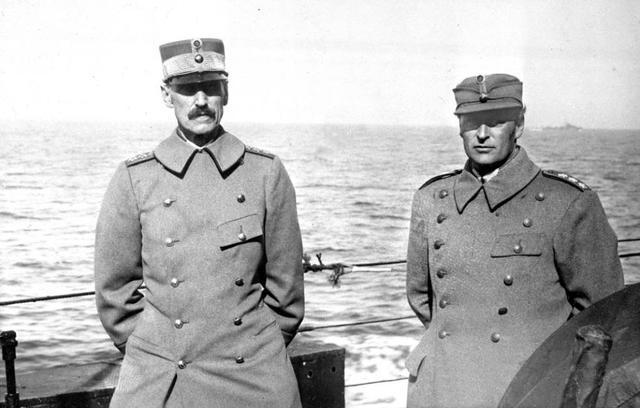 Kong Håkon 7. og regjeringen forlater Norge