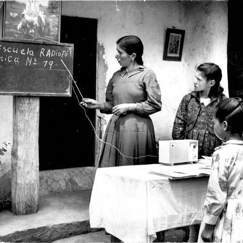 Contra el Analfabetismo