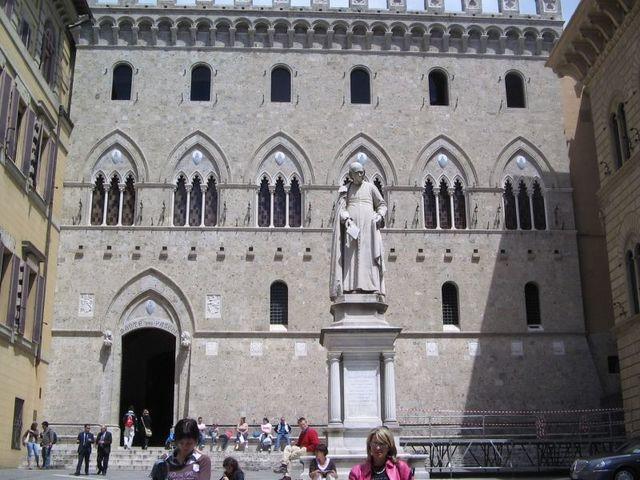 Universidad de Siena (Italia)