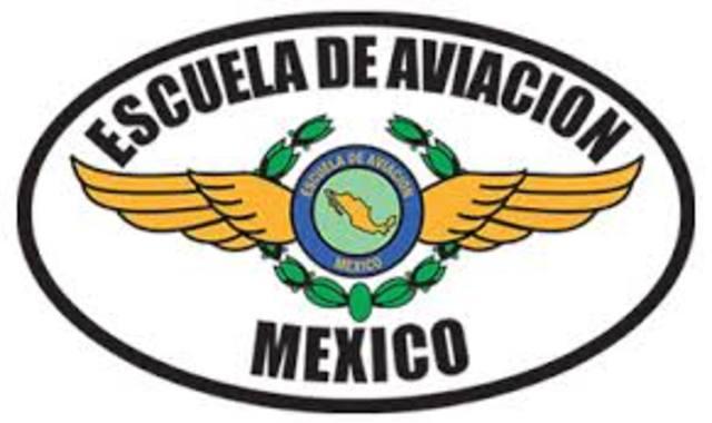 Fundación de la Escuela de Aeronáutica.
