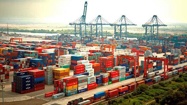 Creación puerto de Lázaro Cárdenas
