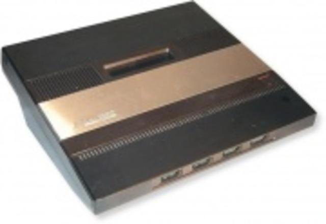Atari presenta la 5200 y un rediseño de la 2600