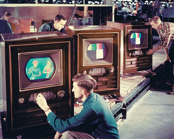Inicia la TV a Colores