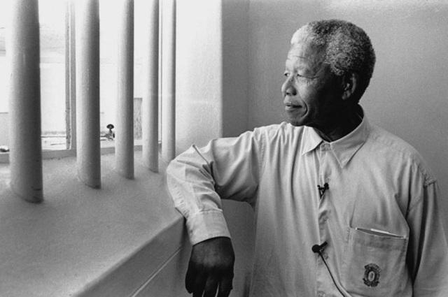 Nelson Mandela arrested on Treason Charges