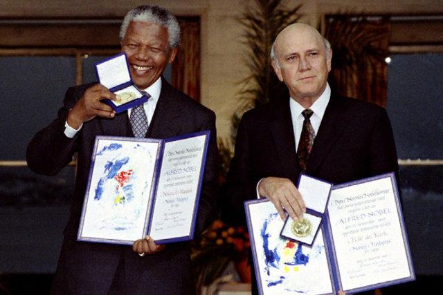 Nelson Mandela and de Klerk Share Nobel