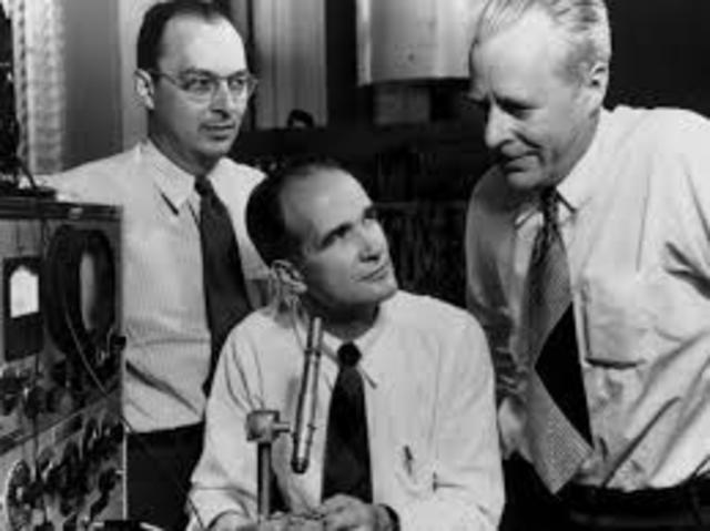 Bell Labs. Primer servicio de telefonía móvil.