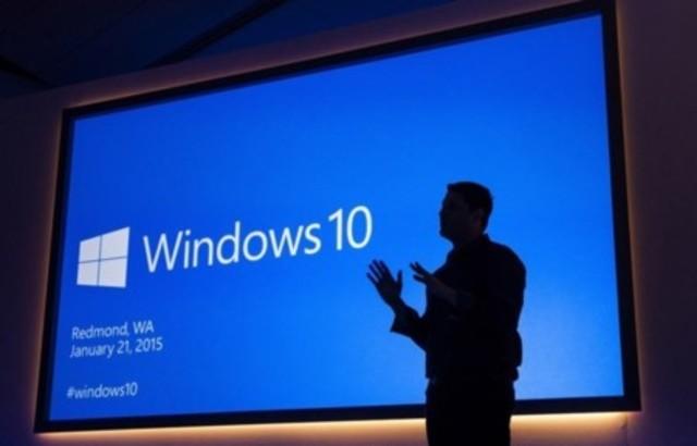 2015 Microsoft lanza Windows 10