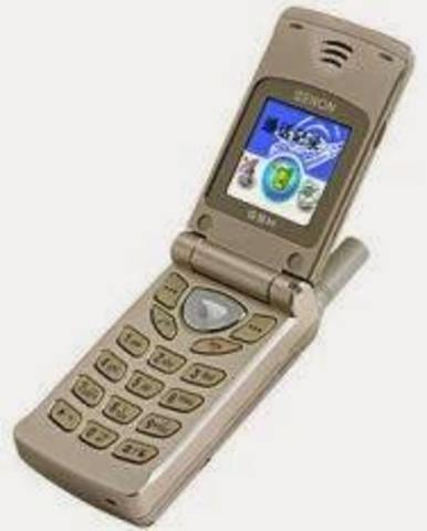 usted usa su teléfono celular.