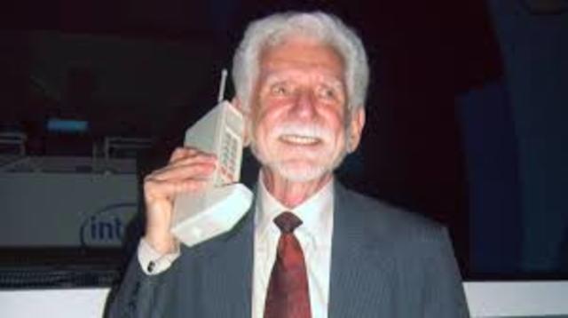 Primer Telefono Celular Que Hubo en el Mundo En El Año 1947 .