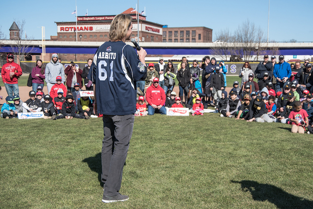 Bronson Arroyo Appears at Fan Fest