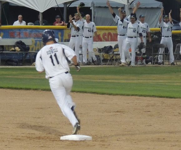 Bravehearts Beat Blues, Clinch Spot in Finals
