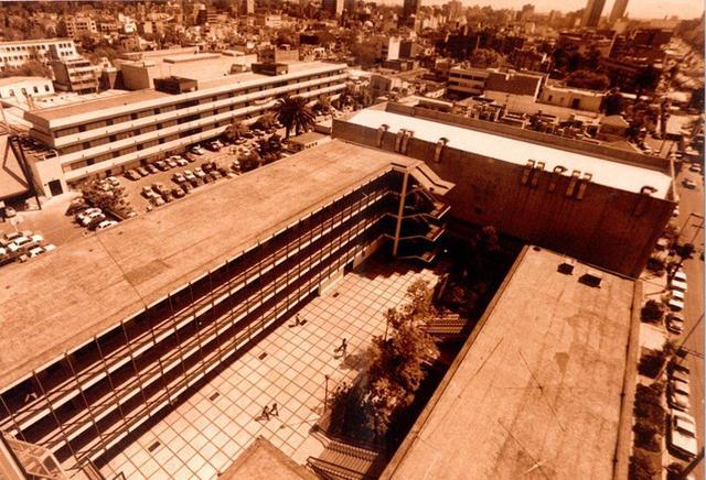 Inicia la Escuela Mexicana de Medicina