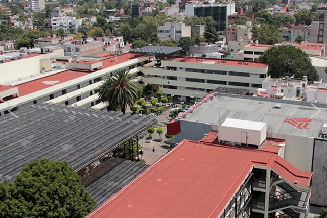 Diversos espacios arquitectónicos fueron habilitados para la convivencia universitaria.