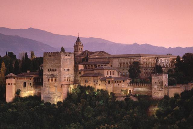 Desaparece el reino de Granada.