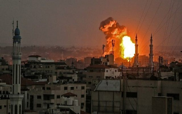 Israel withdraws from Gaza