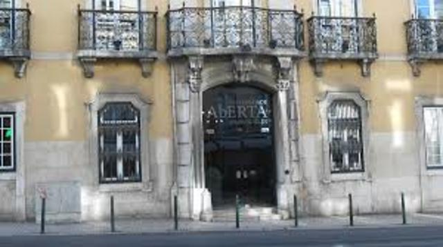 Criação da  Fundação da Universidade Aberta em Portugal