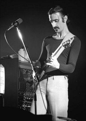 Nacimiento de Frank Zappa