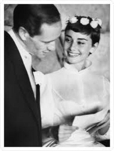 Marries Actor Mel Ferrer