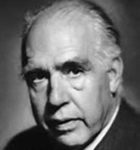 Niels Bohr Dies