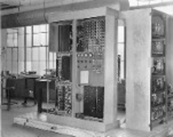EDVAC (Electronic Discrete Variable Automatic Computer)