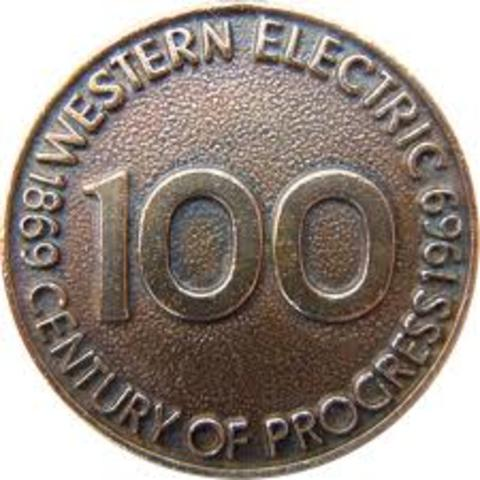 Western Electric produced its first model to use a handse