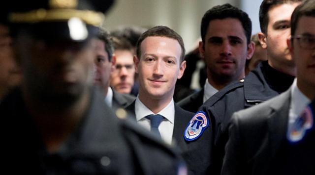 Mark Zuckerberg se hace cargo tras el escándalo