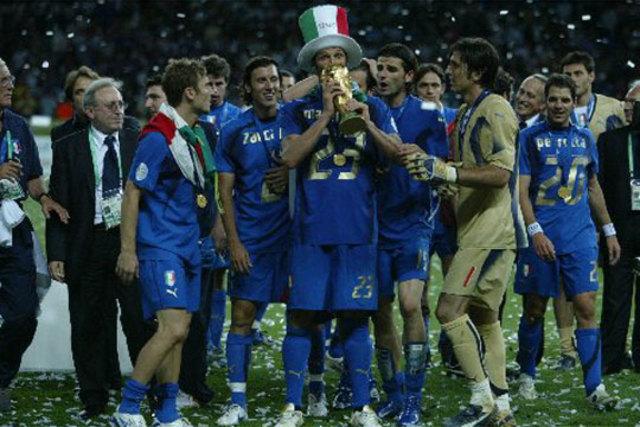 Italia gana por penales