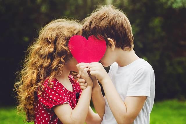 Tuve mi primer novio y di mi primer beso