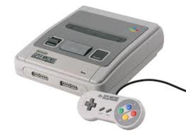 Super Nintendo Entertainment System (Super Famicom) aparece en Europa en junio. Se venden más de 46 millones de unidades en el mundo.
