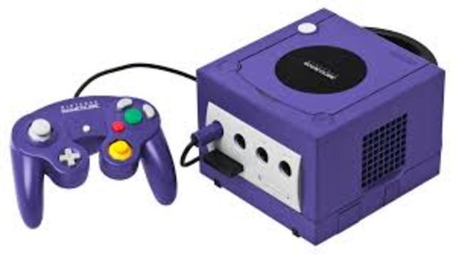 Nintendo GameCube aparece el 14 de septiembre de 2001 en Japón y el 18 de noviembre de 2001 en América. En el mes de diciembre, ya se habían despachado 2,7 millones de unidades, de las cuales se vende el 95 por ciento.