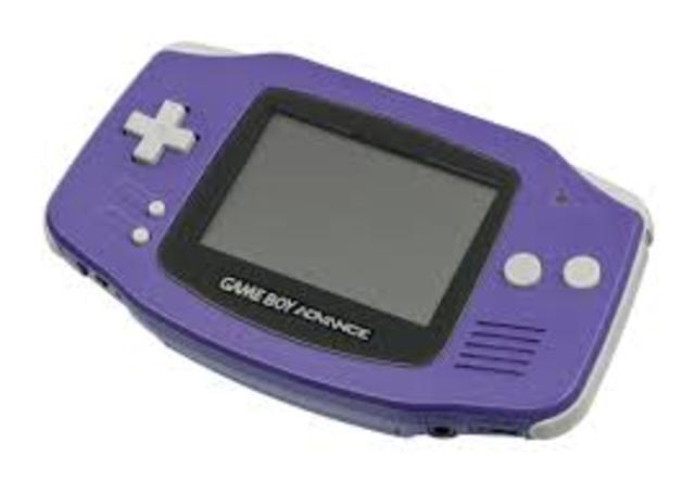 Game Boy Advance sale al mercado el 21 de marzo en Japón, el 11 de junio en EE.UU. y el 22 de junio en Europa y establece un récord como la consola de mayor venta en menos tiempo. En Europa se venden 500.000 unidades el primer fin de semana.
