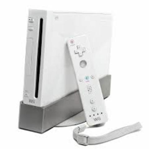 En junio, Nintendo DS cambia su look con la Nintendo DS Lite, con pantallas más luminosas y un diseño más esbelto. El año culmina con el lanzamiento de Wii