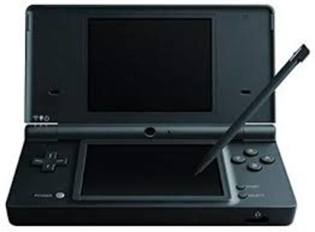 Llegó Nintendo DSi a Europa. La portátil incluía nuevas funciones de sonido y dos cámaras que mejoraban la experiencia proporcionada por la Nintendo DS y que la hicieron indispensable para sus usuarios.