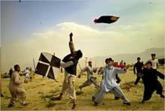 Amir (and Hassan) win the Kite Fighting Tournament