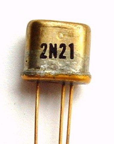 El uso del transistor permite fabricar equipos más pequeños y más rápidos